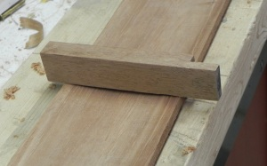 Illustrating rounding of plank after flash molding