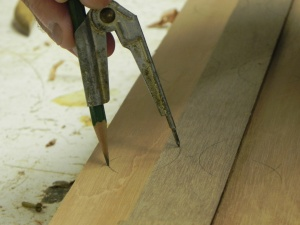Transferring points off spiling batten to planking stock