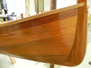 Double row of tacks placed on bow and stern quarters.