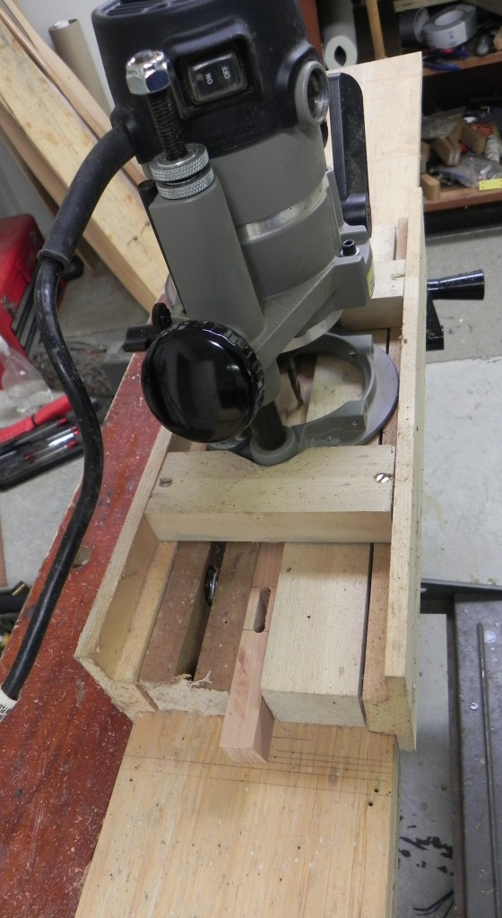 Plunge router set-up to make mortise joinery.