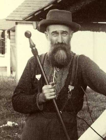 Guide Reuben Cary with his guideboat paddle.